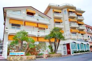 Hotel Residence Dei Due Porti