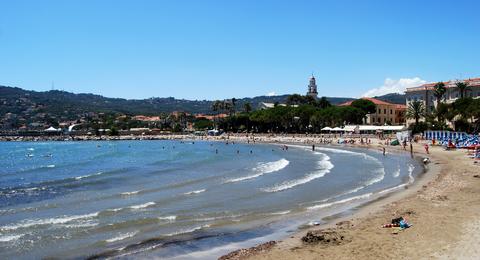 Spiaggia sabbiosa di Diano Marina